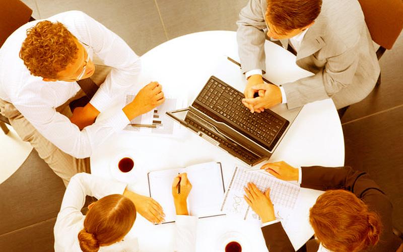 Tener capacidad para encontrar socios es importante para emprender como una empresa - Overflow.pe