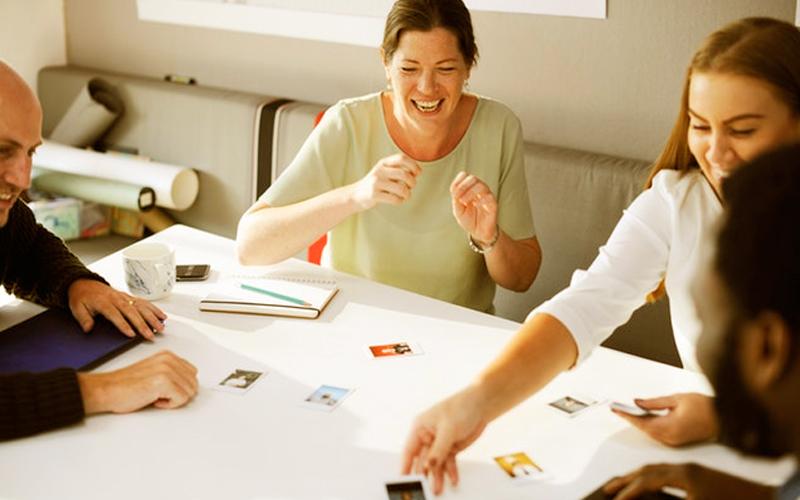 El juego en los negocios constituye una de las oportunidades más interesantes en la formación de los equipos - Overflow.pe