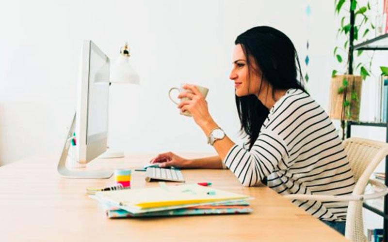 Una mujer emprendedora aprovecha todas sus cualidades - Overflow.pe