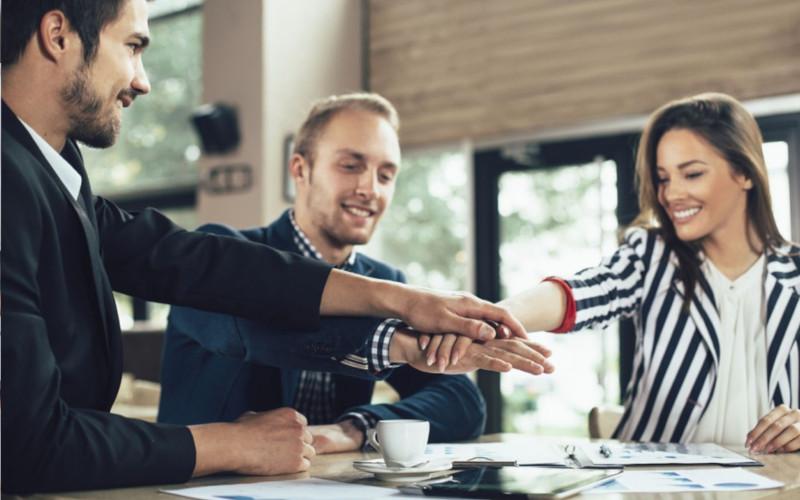 Tácticas de ventas impostergables aplicadas por vendedores - Overflow.pe