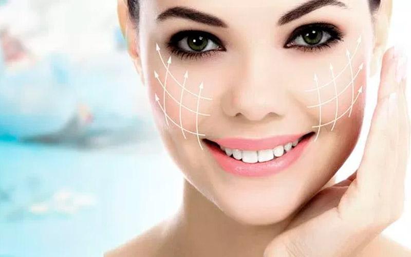 Cirugía estética orofacial en DentalyEstetica.com